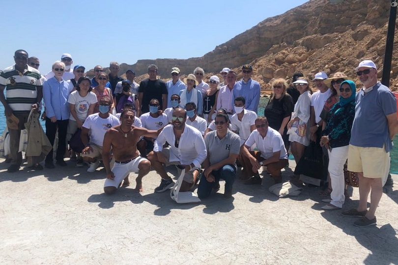 رحلة بحرية للسفراء الأجانب في شرم الشيخ ويعايشون تجربة السائح.. وإشادة بتنوع الأنماط السياحية